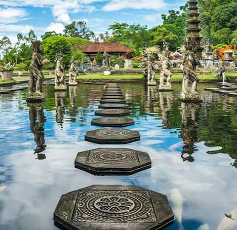 水の離宮:ティルタガンガ|バリ島東海岸神聖寺院&工房巡りコース