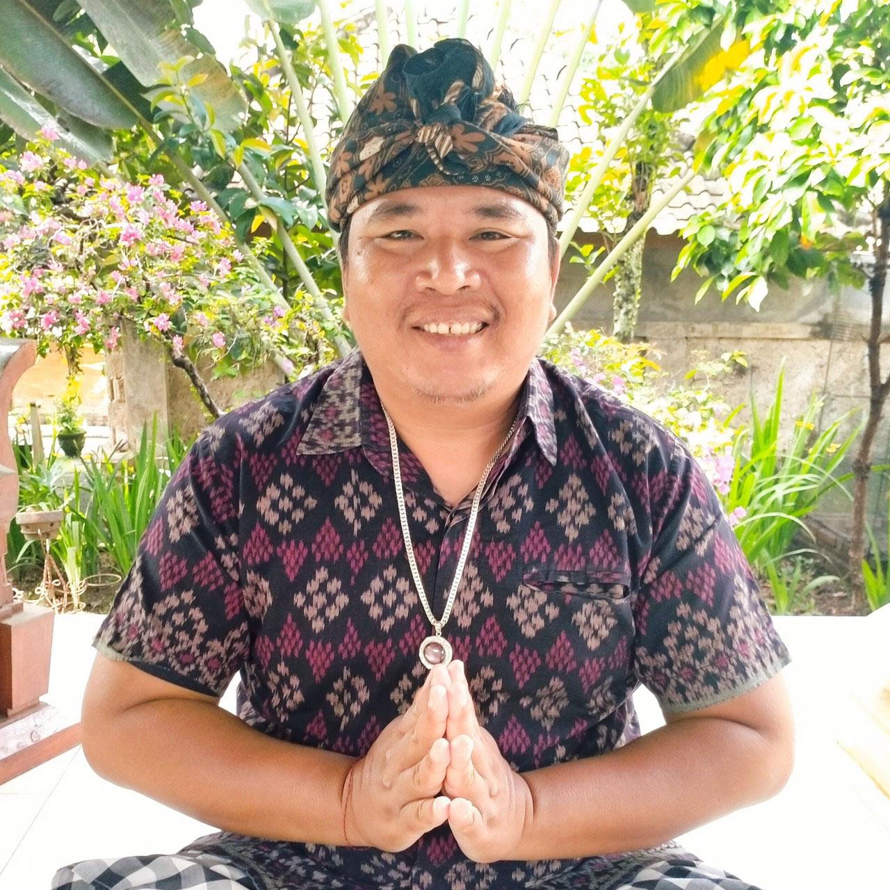 バリ島をバーチャルで観光大好きバリの拠点、バリ島マス村のユダ村長による「バリヒンドゥー暦による生年月日占い」」